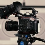 What are the essential features of a DSLR Stabilizer